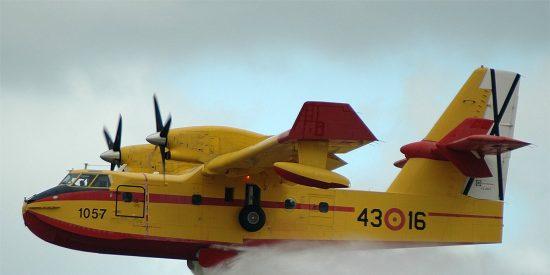 Los 1.500 litros de agua pactados con la avioneta para el reto del 'cubo helado' mandan al tipo al hospital