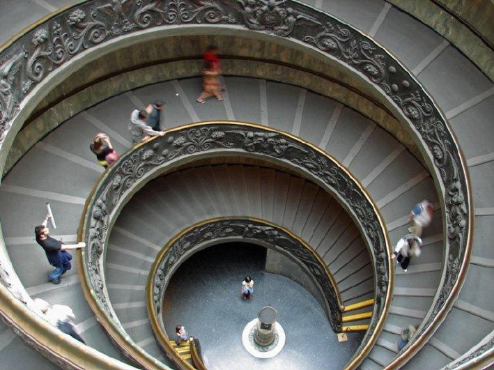 Es urgente que la Iglesia salga del Estado Vaticano