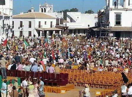 Aumenta un 6% los católicos que van a misa en España