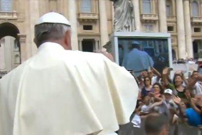 """Papa: """"Los cristianos perseguidos estáis en el corazón de la Iglesia, que está orgullosa de vosotros"""""""