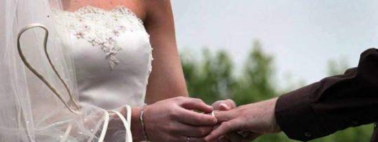 Detenido el día de su boda por meter mano a la camarera embarazada del convite