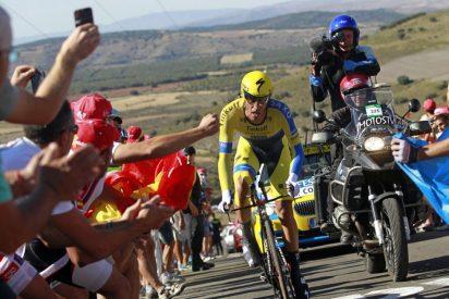 Alberto Contador toma el mando en la Vuelta a España tras la brutal caída de Nairo Quintana