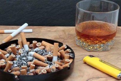 Los españoles ven el alcohol y el tabaco cada vez menos peligrosos