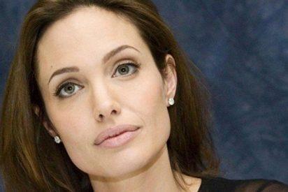 La bella y solidaria Angelina Jolie, se pone de nuevo tras las cámaras para África