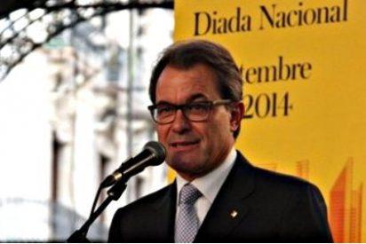 Artur Mas pide respeto tras honrar el 'templo' del secesionismo radical