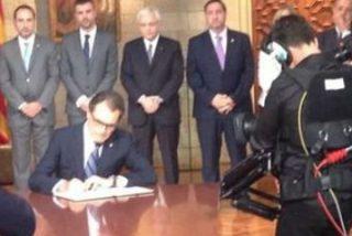 Artur Mas convoca el referéndum ilegal del 9-N que Mariano Rajoy enterrará ante el Tribunal Constitucional en 48 horas