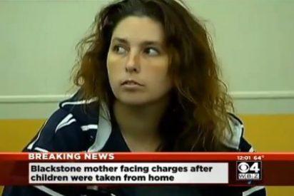 ¡Atroz hallazgo! Una mujer vivía con tres niños muertos entre gusanos