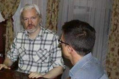 """Podemos defiende ahora la """"libertad de información"""" y toma al espía Assange como rehén de sus ideas"""