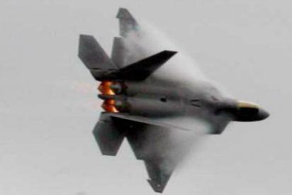 El F-22 o un 'Rolls-Royce' en Siria: el arma secreta de la Guerra Fría que Washington ha desempolvado