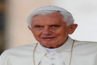 Benedicto XVI reaparecerá en público este domingo en el encuentro del Papa con personas mayores