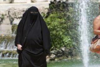 El ministro del Interior plantea regular la prohibición del burka