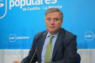 EL PP acusa a García-Page de ser más populista que Podemos y más radical que IU