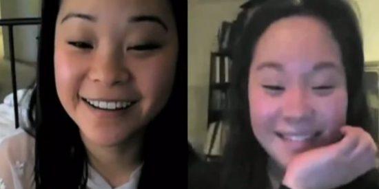 La reacción de dos hermanas gemelas que se conocen por primera vez 25 años después