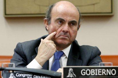 """De Guindos dice que ya se ha producido la """"mayor parte del ajuste"""" en el sector de la vivienda"""