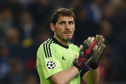 El cabreo de Iker Casillas con sus compañeros tras la humillante derrota del Real Madrid ante la Real Sociedad