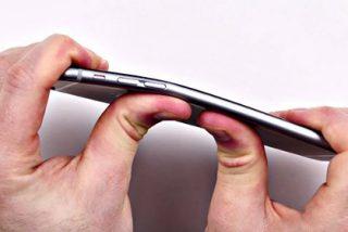 Usuarios del iPhone 6 Plus se quejan de que el lujoso móvil se les dobla en el bolsillo