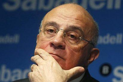 Ingresan al presidente de Banco Sabadell tras caerse del caballo