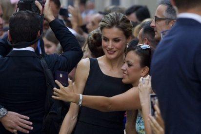 Su Alteza Real, Letizia, se ha hecho una fan del 'selfie'