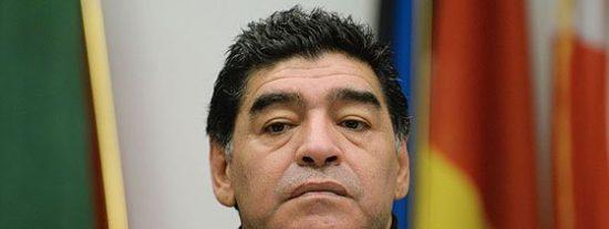Maradona habla de sus coqueteos con las drogas
