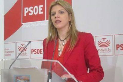 Para el PSOE Monago convierte en obra de caridad la entrega en propiedad de las viviendas sociales