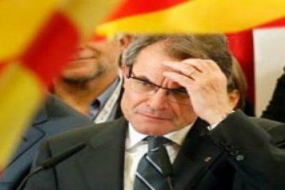 El Tribunal Constitucional pone las cosas en su sitio y suspende la consulta convocada por Mas el 9-N