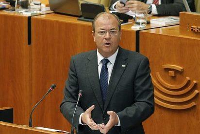 Monago llevará de manera inmediata su reforma electoral a la Asamblea