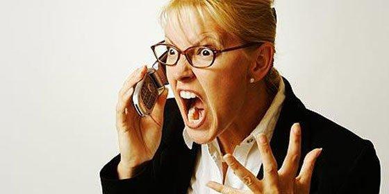 Consejos para lidiar con ese compañero tan 'bocazas' que casi todos tenemos en la oficina
