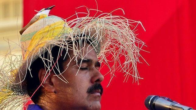 Ni a las duras ni a las maduras: En Venezuela se han quedado hasta sin pan ¡Chávez nuestro que estás...!