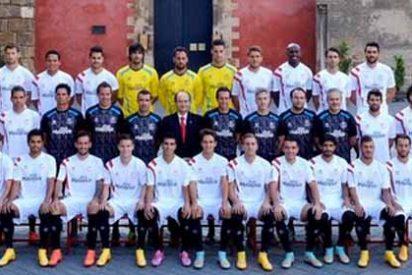 Así es la foto oficial del Sevilla esta temporada