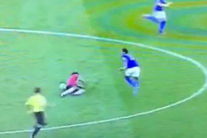 El vídeo de Falcao cayéndose en una jugada revienta Twitter