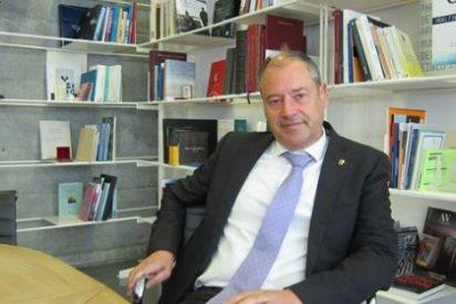 El rector de Vigo pide adecuar la legislación laboral para retener a los investigadores