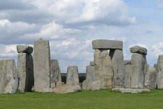 Un enorme y sangriento santuario religioso rodea Stonehenge