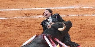 La estremecedora cornada en el corazón al banderillero Héctor Rojas hiela la sangre
