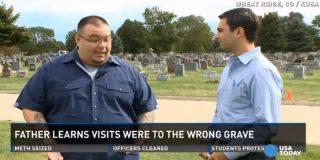 Este padre lleva visitando 7 años la tumba equivocada de su hijo por culpa de unos chapuzas