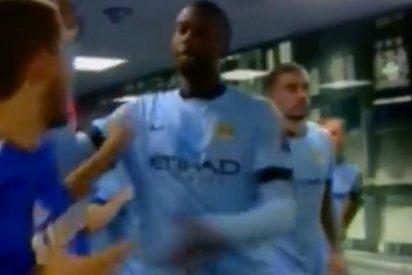 Yaya Touré se lía a darle collejas a Hazard en el túnel