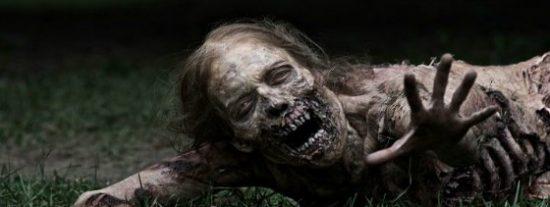 Pánico en África por dos mujeres zombies que buscan presas tras morir por ébola