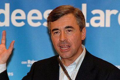 ABC le reclama al PP que corte la cabeza a Acebes y a Rato