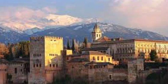 Granada celebra la segunda Noche en Blanco con casi 200 actividades