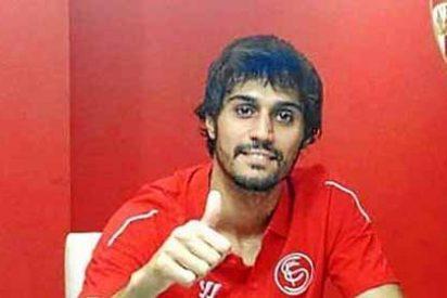 Debuta con el Sevilla tres meses después