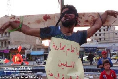 Los yihadistas del Estado Islámico crucifican a un joven en Siria por hacer fotos de sus cuarteles
