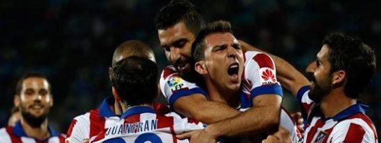 El Atlético de Madrid se engancha a la cabeza de la tabla gracias a Mandzukic (0-1)