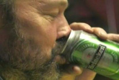 Se buscan vagabundos alcohólicos para trabajar como barrenderos...¿El sueldo? ¡Botellas de cerveza!