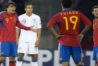 El delantero español podría dejar el club por liarla en el vestuario