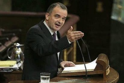 PP, PSOE y UPyD tiran de las riendas a un desbocado ERC que pretendía retirar los recursos sobre la consulta