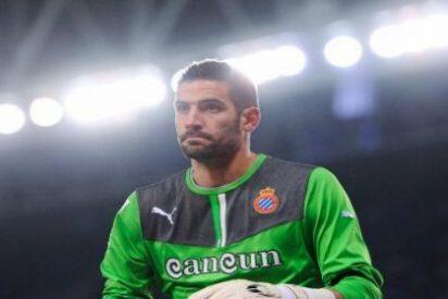 El Liverpool irá a por Casilla si falla Valdés