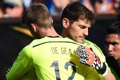 El portero de Luxemburgo calienta el partido contra España dando un palo a Casillas