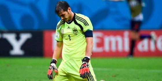 La Roja entra en barrena y cae ante Eslovaquia en otro mal día de Casillas