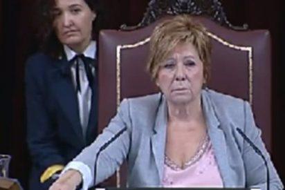 "[Vídeo] Celia Villalobos llama ""payaso"" a un diputado de Compromís por partir un trozo de pan"