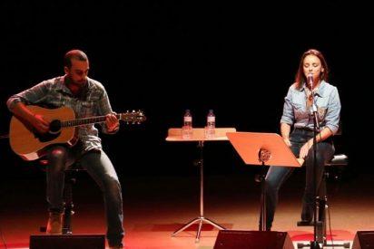 Chenoa, disfruta de su concierto en Las Rozas junto a su novio, el guitarrista Javier Arpa