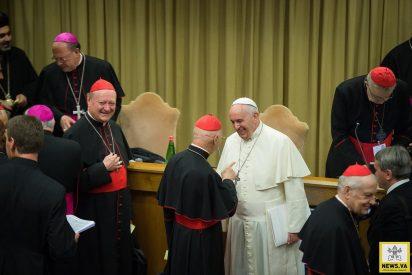 """Papa: """"La Iglesia no mira a la humanidad desde una torre de cristal"""""""